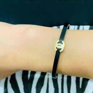 Chanel black and gold bracelet 🤩